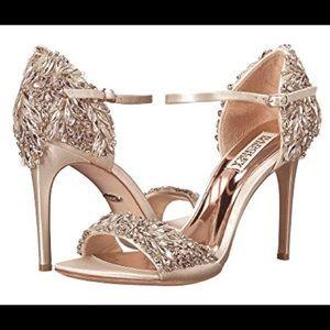 Size 8 Badgley Mischka sandals